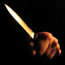 vrouw-met-mes.jpg