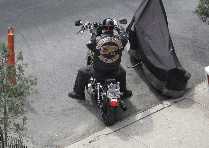 hells-angel-op-een-motor-in-new-york.png