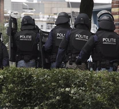 arrestatieteam12_politie_P.jpg