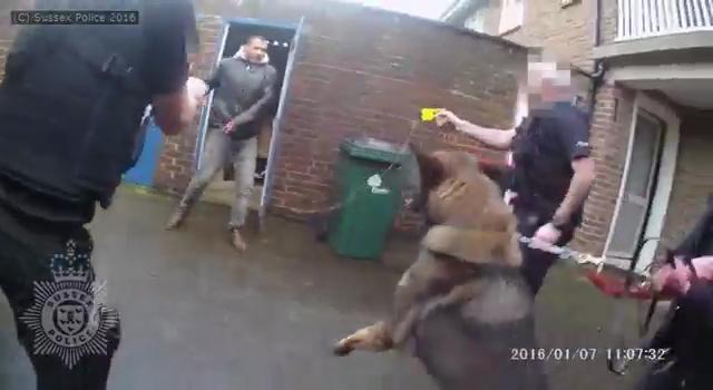 jamshid-piruz-aanval-hamer-britse-politie.jpg