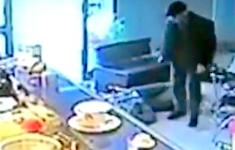 VIDEO: Maffiosi koelbloedig geliquideerd door gepensioneerde politieman in Italië [Crime Nieuws]