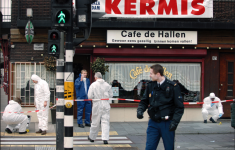 De politie foto's van liquidatie op Thomas van der Bijl [Vlinders Crime]