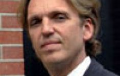 Advocaat Klaas Otto dreigt op te stappen [Crimesite]