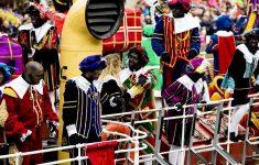Anti-Zwarte Piet-demonstranten vernielen deur Sinterklaashuis [Panorama]