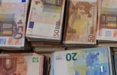 Kwart miljoen euro cash bij wietkwekerij [Crimesite]