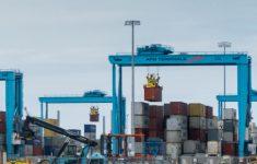 'Corrupte havenmedewerkers aangehouden' [Crimesite]