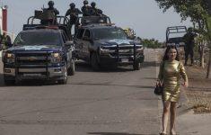 Mexicaanse politie pakt 60 man op [Panorama]