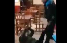 Marokkaan mishandeld door Spaanse agent (VIDEO) [Crimesite]