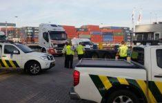 Criminelen betalen miljoenen aan douaniers [PrimeCrime]
