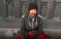 Dakloze die van (dode) slachtoffers aanslag Manchester stal krijgt vier jaar cel [Panorama]