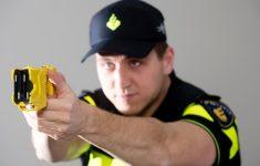 Politie Zwolle blij met stroomstootwapen [Crimesite]