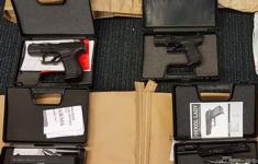 Man aangehouden voor vuurwapens en munitie [Crimesite]